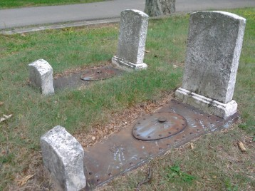 Graves with a hatch